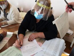 На Буковині засудили члена ДВК, яка видала зайві бюлетені