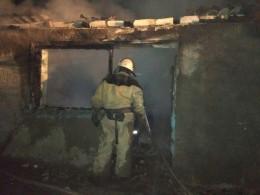 На Буковині через коротке замкнення електромережі майже вщент згорів житловий будинок