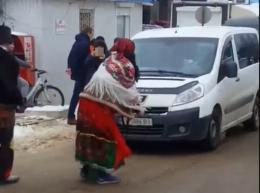 Маланкарі влаштували запальні танці на Калинівському ринку в Чернівцях