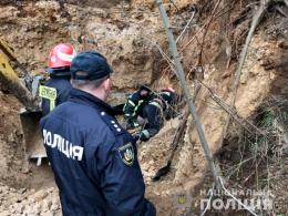 Поліція відкрила кримінальне провадження через незаконне добування піску у Репужинцях (фото)