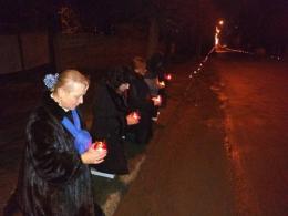 На Буковині волонтери навколішки зустріли тіло бійця «Донбасу», який загинув у АТО (фото+відео)