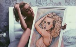 Буковинка Аліна Гросу надихнула одного зі своїх шанувальників на створення картини (фото)