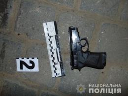 Поліція з'ясовує обставини нічної стрілянини у центрі Чернівців (фото)