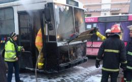 У центрі Черівців загорівся тролейбус