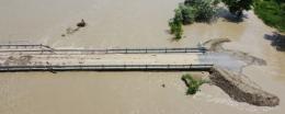 На Буковині затопило міст у Маршинцях, вода піднялась на 5 метрів