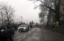 На Буковині одночасно сталися дві ДТП, постраждало службове авто поліції (фото)