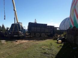 Військову базу на Буковині продовжують зухвало різати на металобрухт