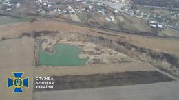 На Буковині викрили порушника, який видобував гравій у промислових масштабах