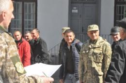 У Чернівцях військкомат відправив у «Десну» на навчання 25 резервістів