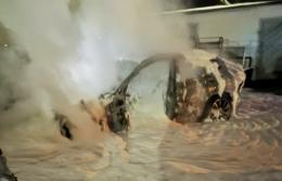 У Чернівцях в поліції розповіли деталі підпалу БМВ біля заправки