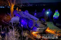 """На Буковині перекинувся позашляховик """"БМВ"""", є постраждалі"""