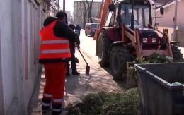 Замість недобросовісних ФОПів сміттєзвалища у Чернівцях прибирають комунальні підприємства (відео)