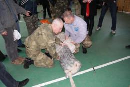 Прикордонники Буковини навчали молодь розкривати парашут (фото)