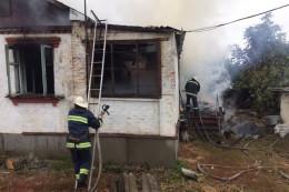 На Буковині в палаючому будинку загинула жінка