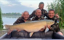 Команда з Чернівців спіймали «малюка» на 25,5 кіло та стала чемпіоном