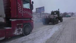 На Буковині рятувальники відбуксирували 11 вантажівок (фото)