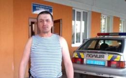 У Новодністровську поліція з кулаками накинулась на учасника АТО (відео)