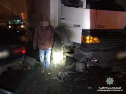 У Чернівцях п'яний водій спричинив потрійну ДТП
