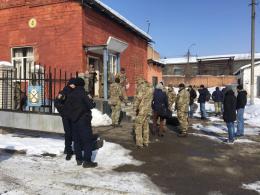 У Чернівцях 36 резервістів відправили на навчальні збори (фото)