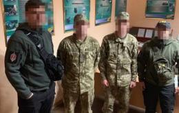 Буковинських прикордонників, яких викрили на хабарі, взяли під варту