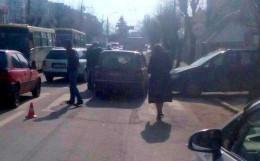 На Руській у Чернівцях ВАЗ збив трьох дітей