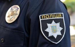 Патрульного поліцейського звинувачують у жорстокому побитті чернівчанина (відео)