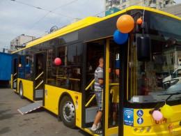 Чернівчани вважають, що місту потрібно купувати нові тролейбуси