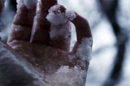 На Буковині 53-річний чоловік помер від переохолодження у власній квартирі