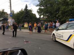 6-річну дівчинку, яку збили на Героїв Майдану, госпіталізували у важкому стані