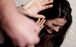 За побиття дружини чернівчанину призначили 220 годин громадських робіт