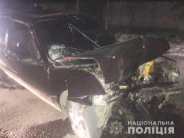 На Буковині п'яний водій на «Пежо» врізався у вантажний причіп, який буксирував трактор (фото)