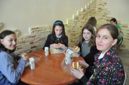 У школі в Чернівцях учні обідають з ланч-боксів