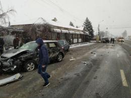З'явилось відео моменту аварії з чотирма автомобілями у Мамаївцях (відео)