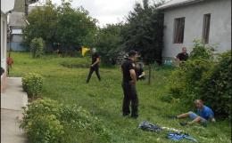 На Буковині покарали двох чоловіків, які  жорстоко побили поліцейського