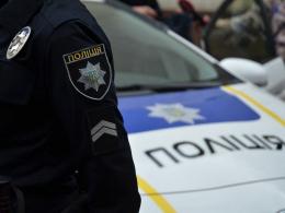 У Чернівцях 25-річний чоловік вночі побив поліцейського