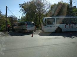 У Чернівцях на Січових стрільців сталось ДТП за участю тролейбуса