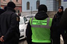 За перший день роботи у Чернівцях інспекція з паркування оштрафувала 35 порушників (фото)