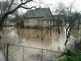 На Буковині через сильну зливу підтопило городи у двох селах
