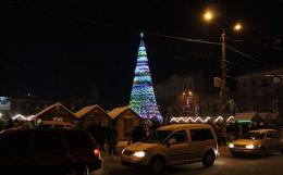 У Новорічну ніч на Соборній площі у Чернівцях частково обмежать рух транспорту