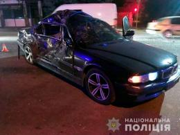 На Буковині BMW врізався в мікроавтобус, є постраждалі
