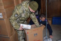 На Буковині правоохоронці виявили склади з контрафактним спиртом та цигарками (фото)
