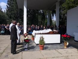 У Чернівцях попрощалися із 37-річним бійцем, який помер у лікарні (фото)