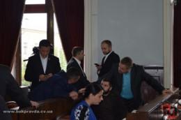 Депутати не змогли накласти мораторій на підвищення тарифів на проїзд у Чернівцях