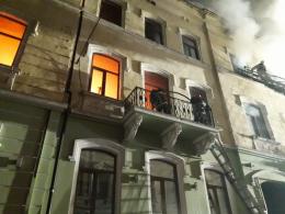 Масштабну пожежу в центрі Чернівців ліквідовували вісім годин