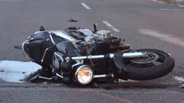 У Чернівцях п'яний мотоцикліст потрапив у ДТП: постраждала його пасажирка