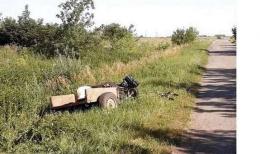 На Буковині чоловік перекинувся на мотоблоці і загинув