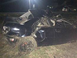 """На Буковині """"Субару"""" на швидкості врізався в дерево, є постраждалі (фото)"""