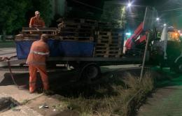 У Чернівцях демонтовуються місця самовільної торгівлі (фото)