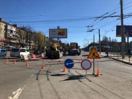 У Чернівцях на проспекті Незалежності змінено схему руху (фото)