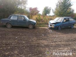 На Буковині два авто зіткнулись на польовій дорозі: постраждав 10-річний хлопчик